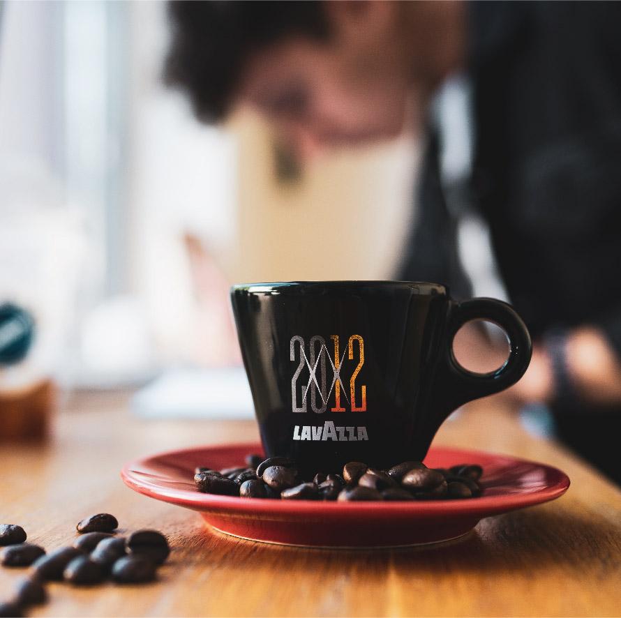 Café Lavazza en photo pour contactez-nous